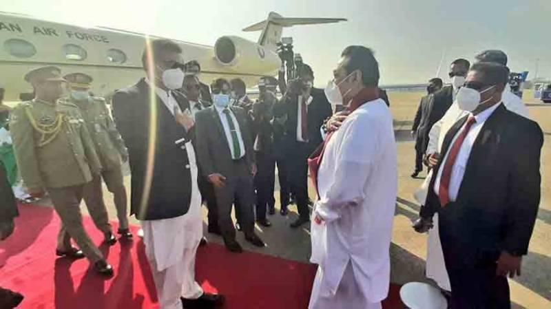 وزیراعظم سری لنکا پہنچ گئے، ائیرپورٹ پر شاندار استقبال