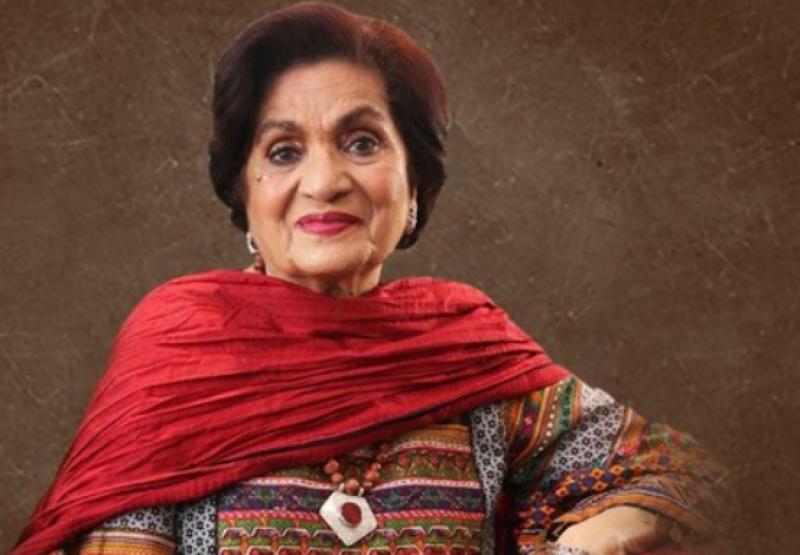 حسینہ معین کا چھاتی کے سرطان سے آگاہی پر پاکستان کی پہلی ویب سیریز بنانے کا اعلان