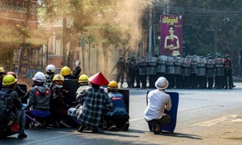 میانمار میں فوجی بغاوت کے خلاف احتجاج کرنے والوں پر فائرنگ 38 افراد ہلاک