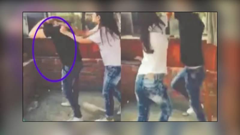 معروف پاکستانی اداکارہ نے ٹک ٹاک سٹار پر تھپڑوں کی بارش کردی