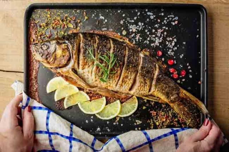 ہفتے میں دو مرتبہ مچھلی کھائیں اور امراضِ قلب سے محفوظ رہیں، ماہرین