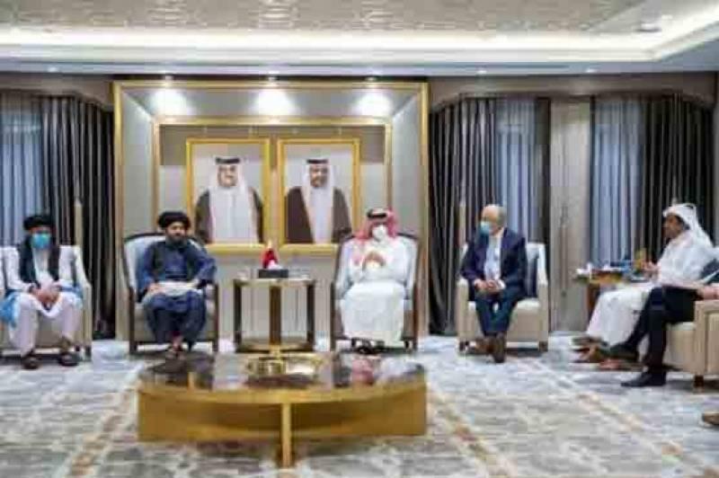 قطر میں زلمے خلیل زاد کی ملا عبد الغنی برادر سے ملاقات، اہم امور پر تبادلہ خیال