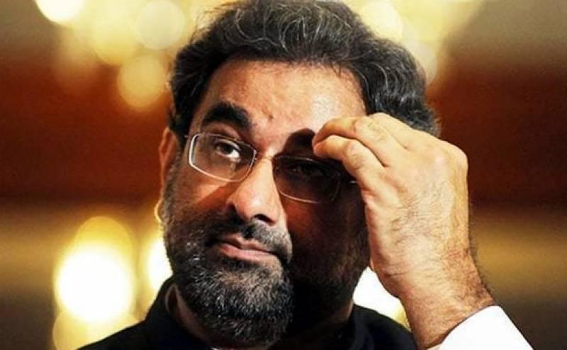 سابق وزیراعظم شاہد خاقان عباسی کی ڈاکٹر شہباز گل پر انڈے اور سیاہی پھینکنے کے واقعے کی مذمت