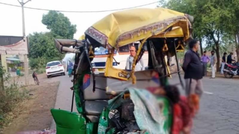 بھارت ، ٹریفک حادثے میں 13 افراد ہلاک