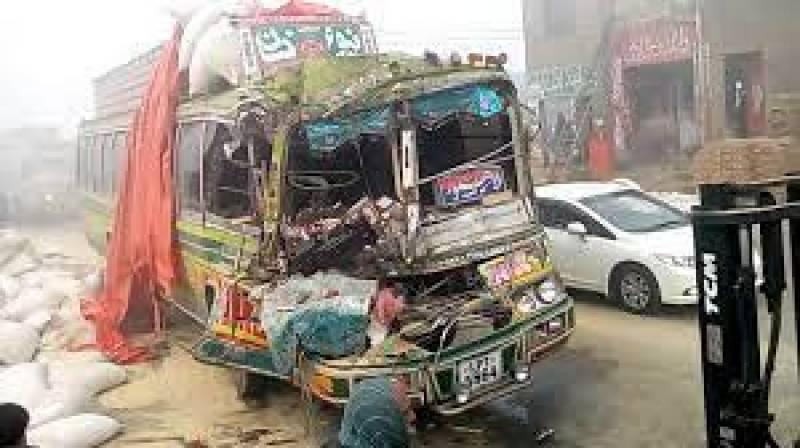 شیخو پورہ روڈ پر ٹریفک حادثے میں 5 افراد ہلاک ہوگئے،12 زخمی