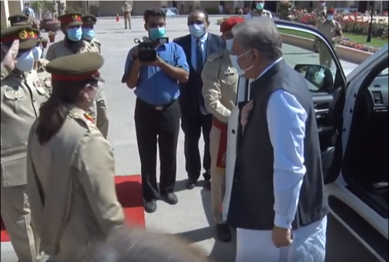 پوری قوم پاک فوج کے شانہ بشانہ کھڑی ہے: وزیر خارجہ شاہ محمود قریشی