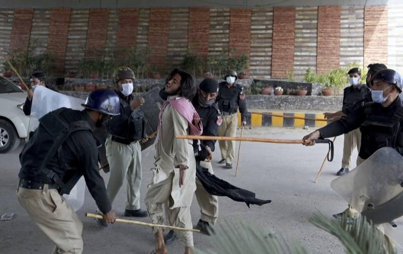 پولیس کا ایکشن،لاہور میں یتیم خانہ چوک کے علاوہ تمام دھرنے ختم کرادیے گئے