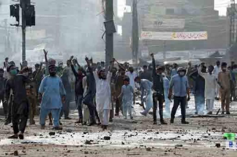وفاقی کابینہ نے تحریک لبیک پر پابندی لگانے کی منظوری دیدی