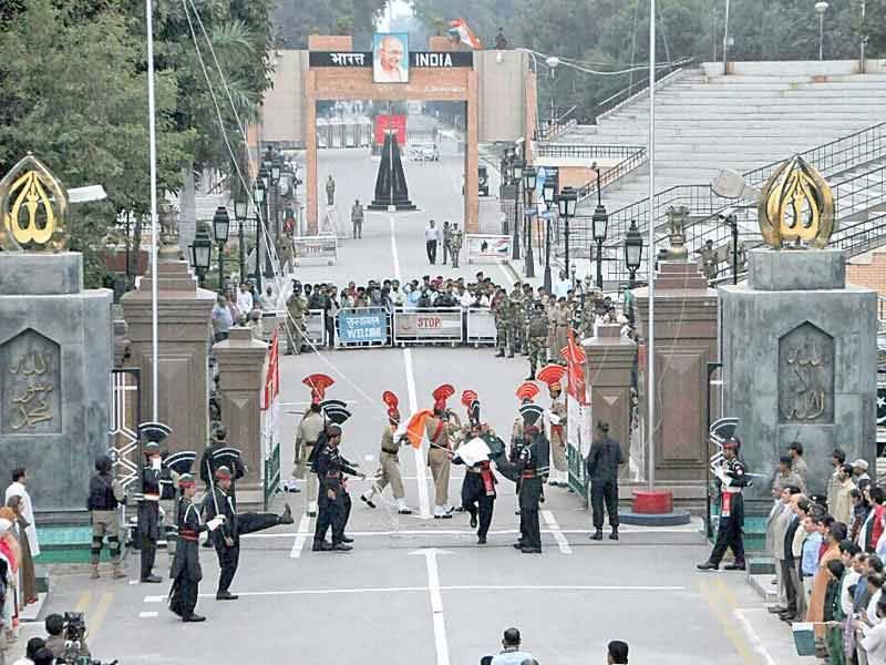 این سی او سی نے بھارت سے مسافروں کی پاکستان آمد پر پابندی عائد کر دی