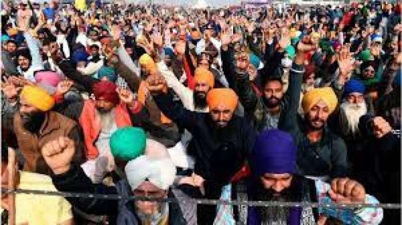 بھارتی کسانوں نے ایک بار پھر دارالحکومت دہلی کی طرف مارچ شروع کر دیا