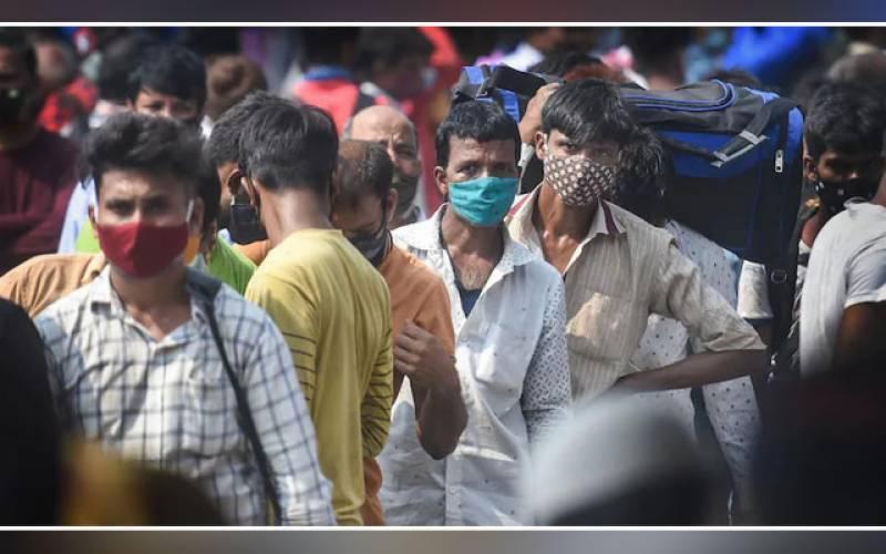 بھارت میں عالمی وبا کے تین لاکھ 32 ہزار سے زیادہ نئے کیس رپورٹ