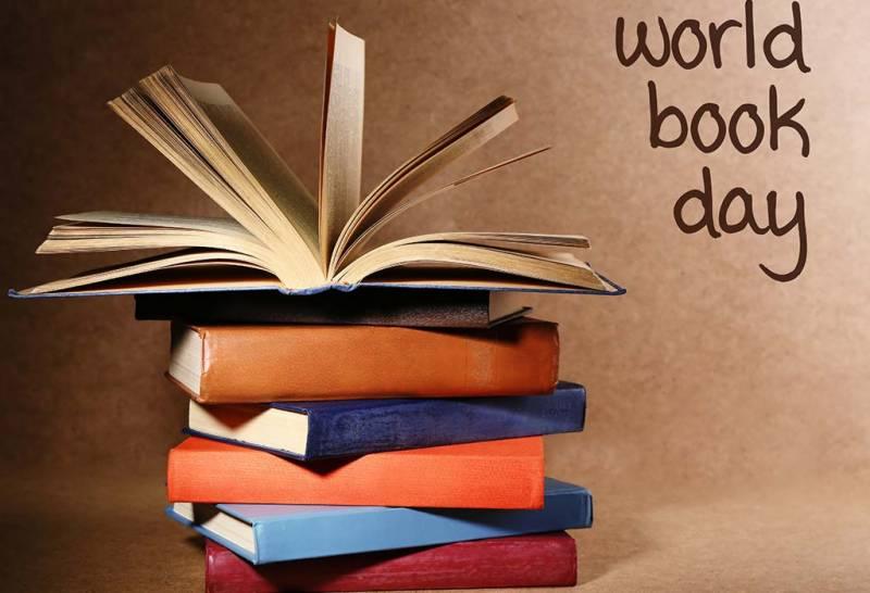 دنیا بھر میں آج کتابوں کا دن منایا جا رہا ہے