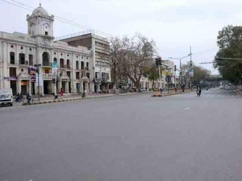 لاہور میں سخت لاک ڈاؤن نافذ العمل، خلاف ورزی پر سخت کارروائی کا اعلان