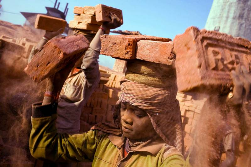 پاکستان سمیت دنیا بھر میں آج مزدوروں کا عالمی دن !!