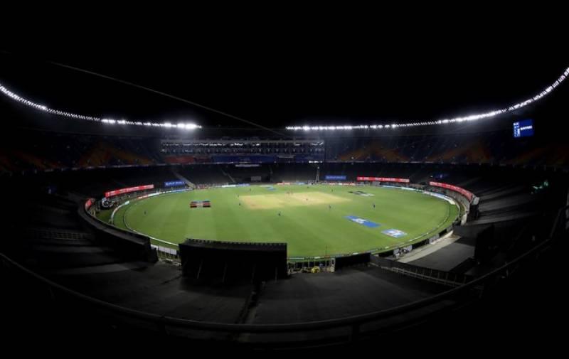 کورونا وائرس آئی پی ایل میں بھی پہنچ گیا، کلکتہ نائٹ رائیڈرز کے کھلاڑیوں کی رپورٹس مثبت آنے پر میچ منسوخ