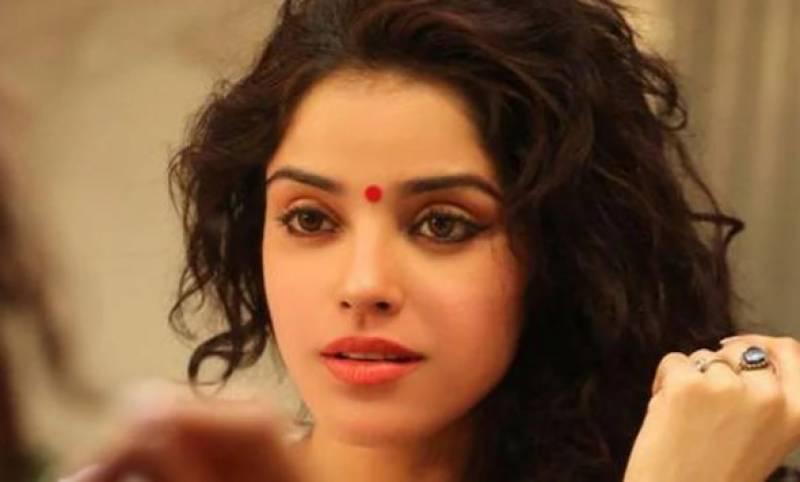 بھارتی اداکارہ کا بھائی وینٹی لیٹر نہ ملنے پر موت کے منہ میں چلا گیا