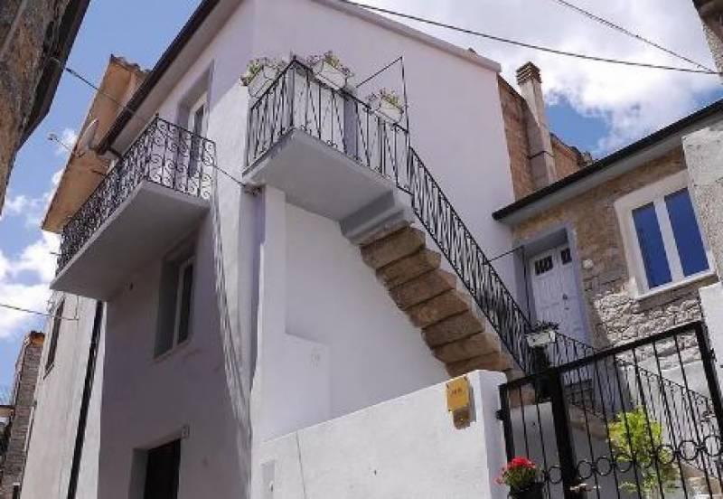اٹلی میں صرف 1 ڈالر مالیت کا گھر خریدنے کا سنہری موقع