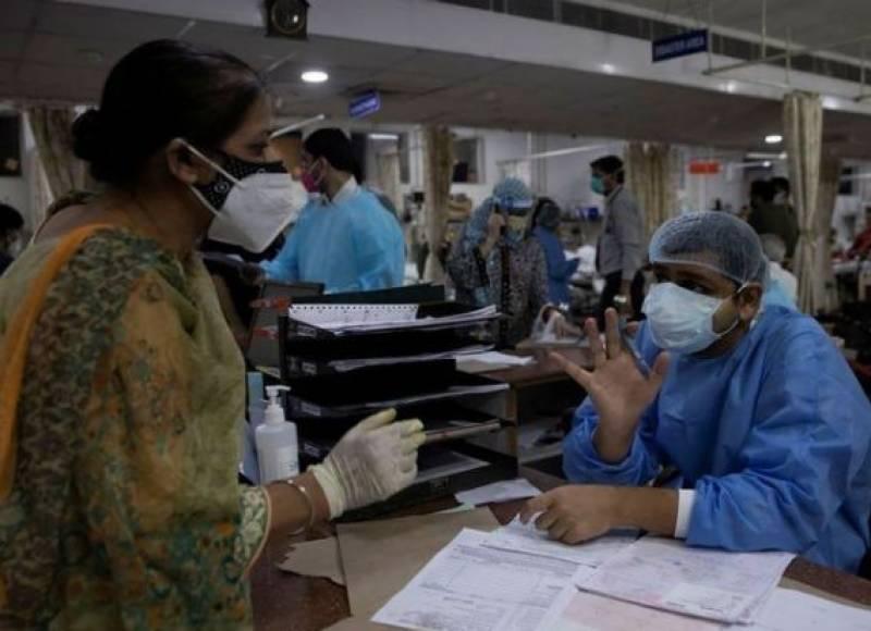 بھارتی ہسپتال میں میڈیکل کے طالبعلم کو کورونا کے مریضوں کو داخل کرنے کااختیار سونپ دیا گیا
