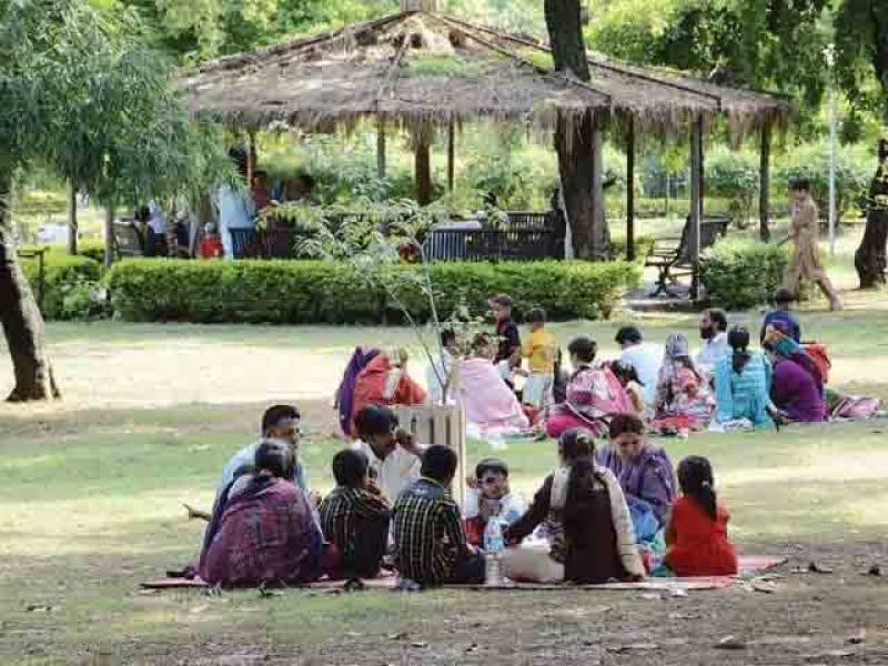 سندھ، پنجاب میں ایک ہفتے کیلئے سیاحتی مقامات بند کرنے کا اعلان