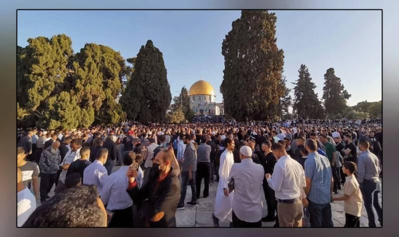 قبلہ اول مسجد اقصٰی میں نماز عید کی ادائیگی، موت سے بے خوف لاکھوں مسلمان اللہ کے حضور سربسجود