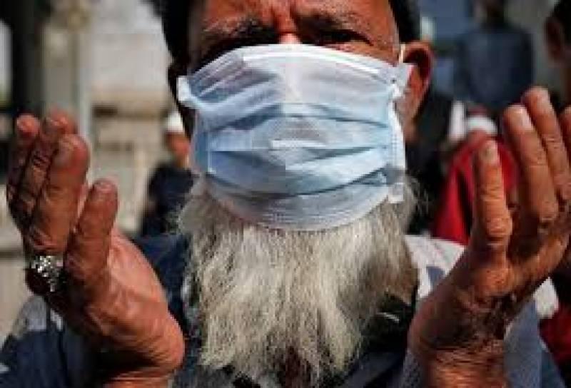 کورونا وائرس کے کیسز میں کمی کے باعث پیر سے تمام مارکیٹیں دکانیں کھولنے کی اجازت دے دی گئی