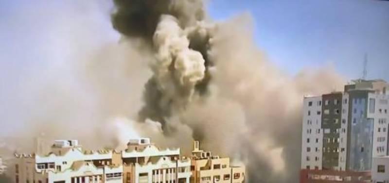 اسرائیلی طیاروں کی بمباری ، میڈیا ہاؤسز سمیت کئی عمارتیں گرکر تباہ