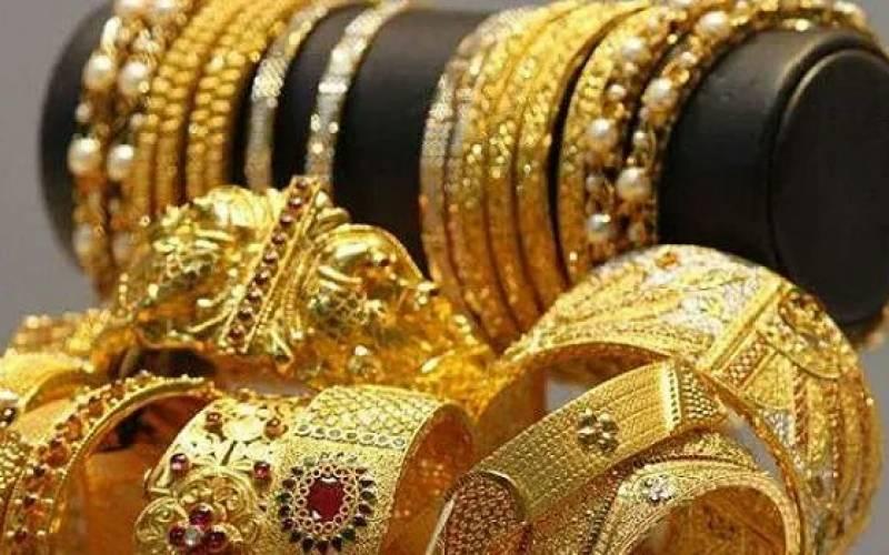 سونے کی فی تولہ قیمت میں 450 روپے اضافہ