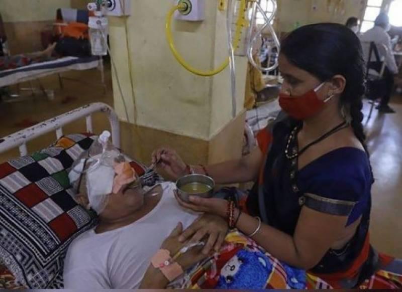 بھارت میں کالی پھپھوندی سے ہزاروں افراد آنکھوں سے محروم ہوگئے