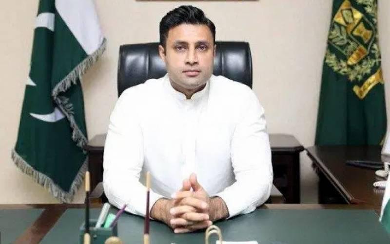وزیراعظم کے سابق معاون خصوصی ذلفی بخاری دبئی پہنچ گئے