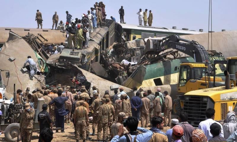 ڈہرکی کے قریب ٹرین کا خوفناک حادثہ، جاں بحق افراد کی تعداد 48 ہو گئی