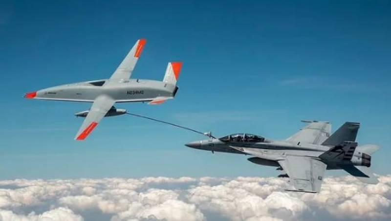 امریکی فوج کے ڈرون ٹینکر نے فضا میں ہی جنگی طیارے کو فیول منتقل کردیا