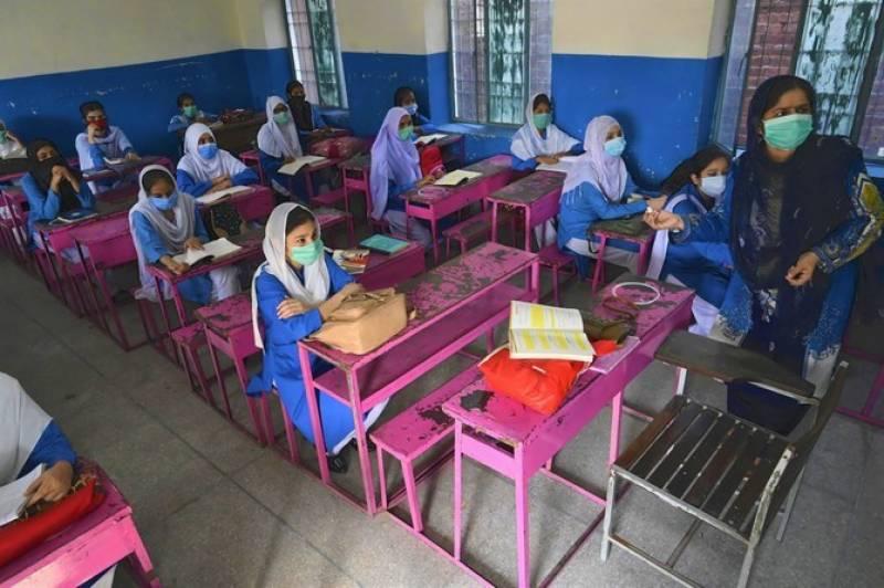 تعلیمی ادارے کھلنے کے بعد لاہور میں کورونا کیسز میں 2 سو گنا سے زائد اضافہ