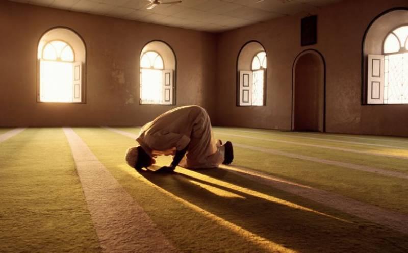 لاہور کی جامع مسجد کے خطیب حالت سجدہ میں خالق حقیقی سے جا ملے