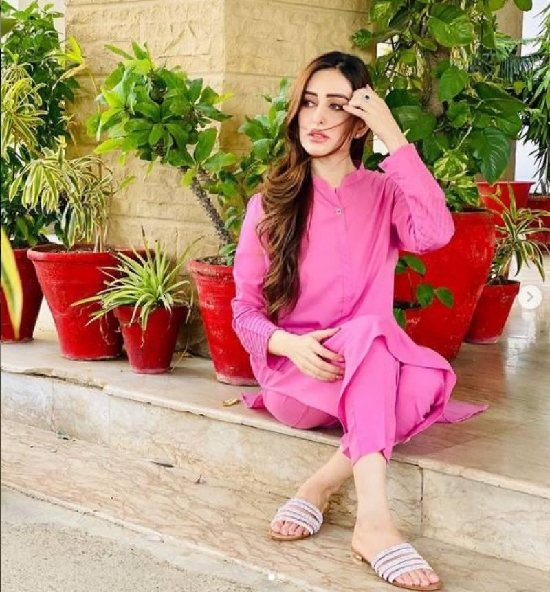 کرائم رپورٹر بننا چاہتی تھی قسمت نے اداکارہ بنادیا: سدرہ نیازی