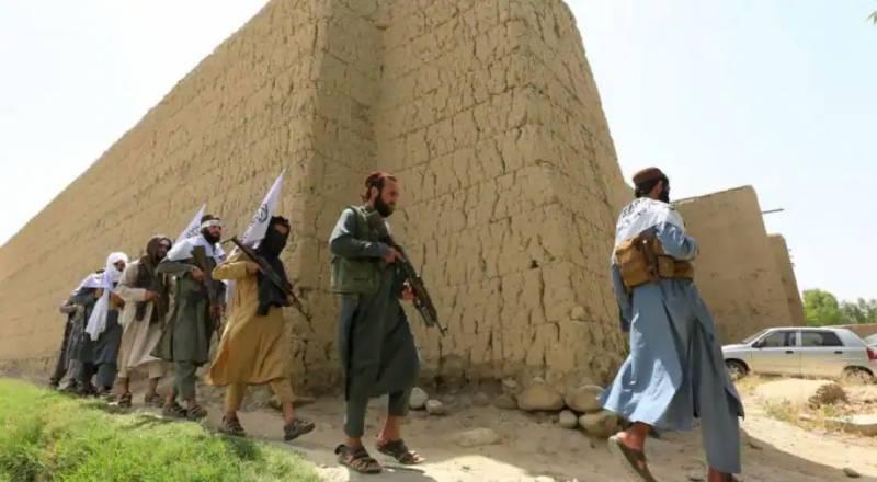 افغان طالبان نے تاجکستان کے ساتھ مرکزی سرحدی گزرگاہ پر قبضہ کر لیا