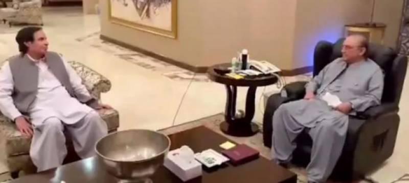 عمران خان کو لانے والے اب پچھتارہے ہیں: زرداری،انتخابات تک پی ٹی آئی کو نہیں چھوڑ سکتے: پرویز الہٰی