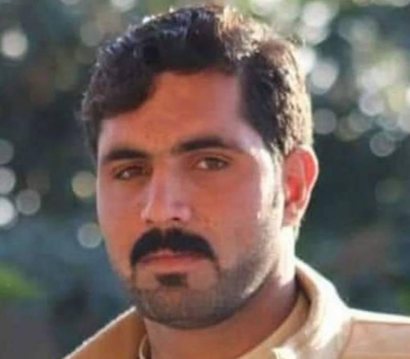 پشاور میں چلتی گاڑی پر فائرنگ سے نوجوان ہلاک ہوگیا