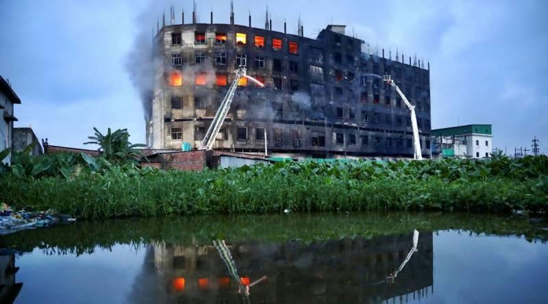 بنگلہ دیش میں فوڈ فیکٹری میں آگ لگنے سے کم از کم 52 افراد ہلاک