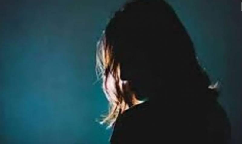 ممبئی پولیس نے شاہ رخ خان سے ملاقات کے جھانسے میں اغوا ہونے والی لڑکی کو بازیاب کرالیا