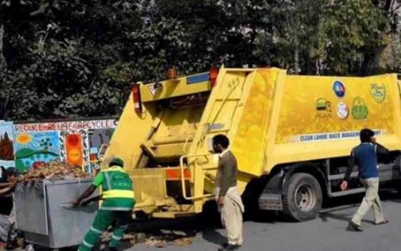 لاہور میں صفائی اور آلائشیں اٹھانے کا کام مسلسل جاری ہے