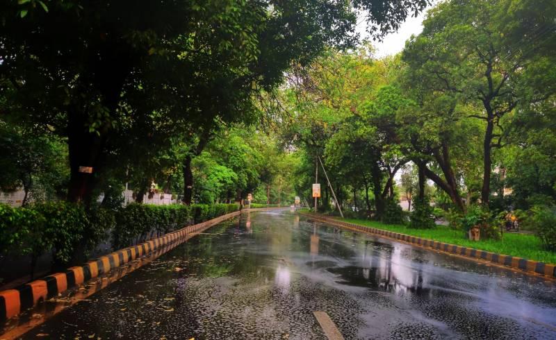اسلام آباد اور لاہور سمیت مختلف شہروں میں بارش کا امکان