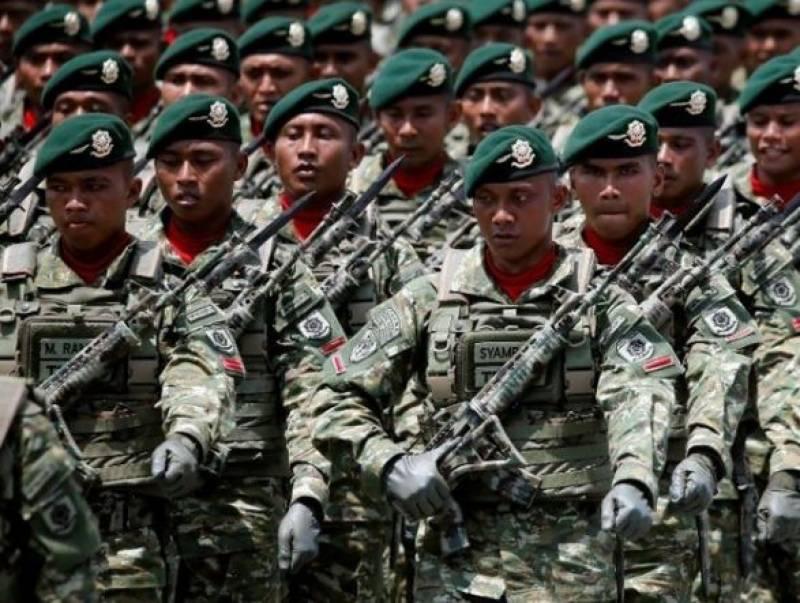 انڈونیشیا میں ہم جنس پرستی پر فوجی اہلکار کو سات ماہ قید کی سز ا سنادی گئی