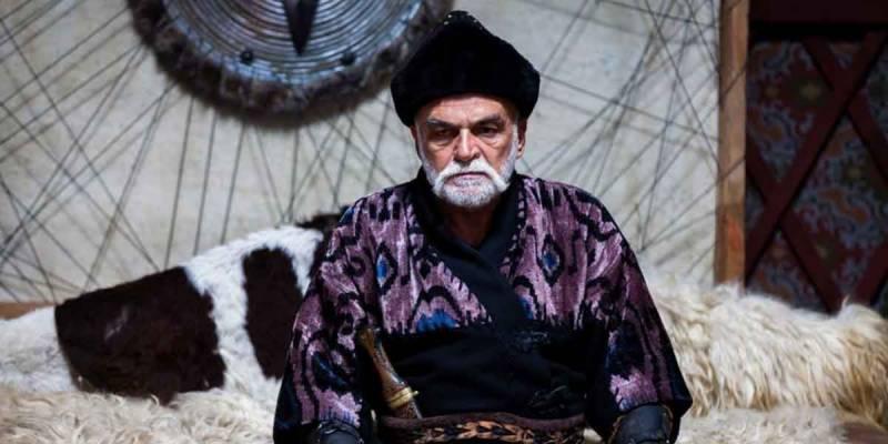 ارطغرل غازی میں 'کورکوت بے' کا کردار ادا کرنیوالے اداکار حسین اوزے انتقال کر گئے