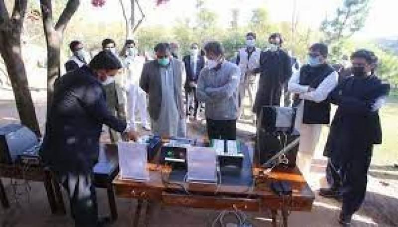 نئی الیکٹرانک ووٹنگ میشن تیار، ہیک نہیں کی جاسکتی ، دھاندلی کے امکانات ختم