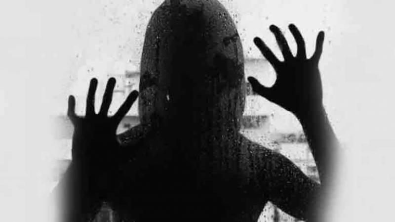 اسلام آباد، سرکاری افسر کی ایک سال تک خاتون سے مبینہ زیادتی، مقدمہ درج