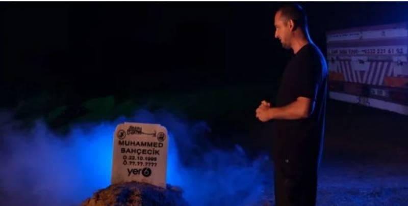 ترکی کے یوٹیوبر نے خود کو قبر میں دفن کرلیا