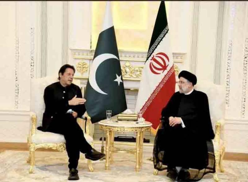 وزیراعظم کی ایرانی صدر سے ملاقات، اہم امور پر تبادلہ خیال