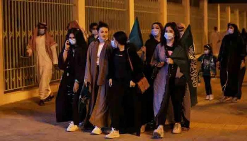 کورونا ایس او پیز کی خلاف ورزی پر سعودی عرب کا ایک لاکھ ریال تک جرمانہ عائد کرنے کا اعلان