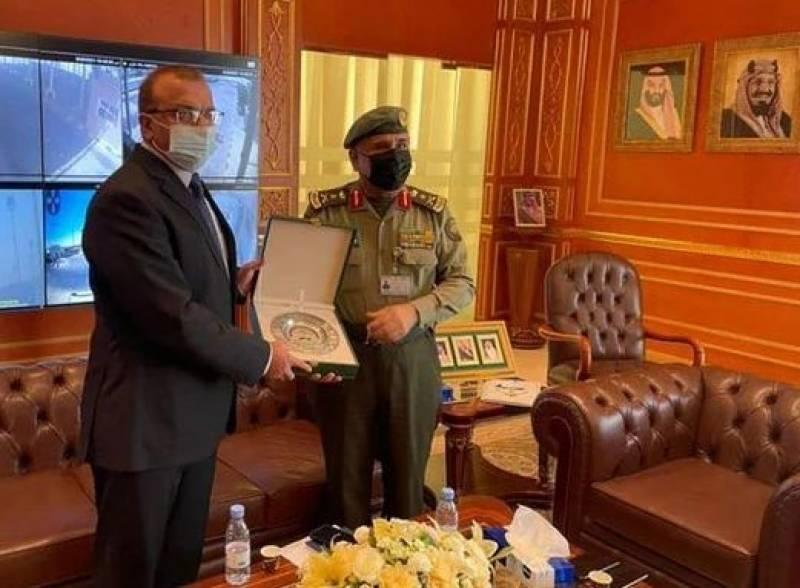 سعودی عرب نے پاکستانیوں کے ویزوں کے مسائل حل کرنے کی یقین دہانی کرادی