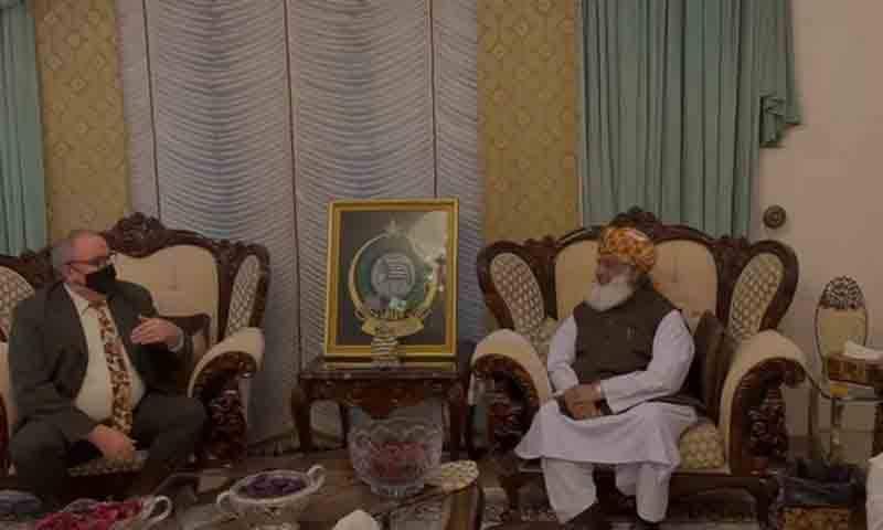 امریکی سفارتخانے کے وفد کی مولانا فضل الرحمان سے ملاقات، خطے کی صورتحال پر تبادلہ خیال